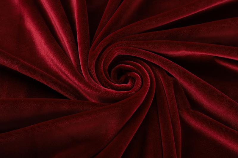 Одна сторона - темно-красная ткань Супер мягкий